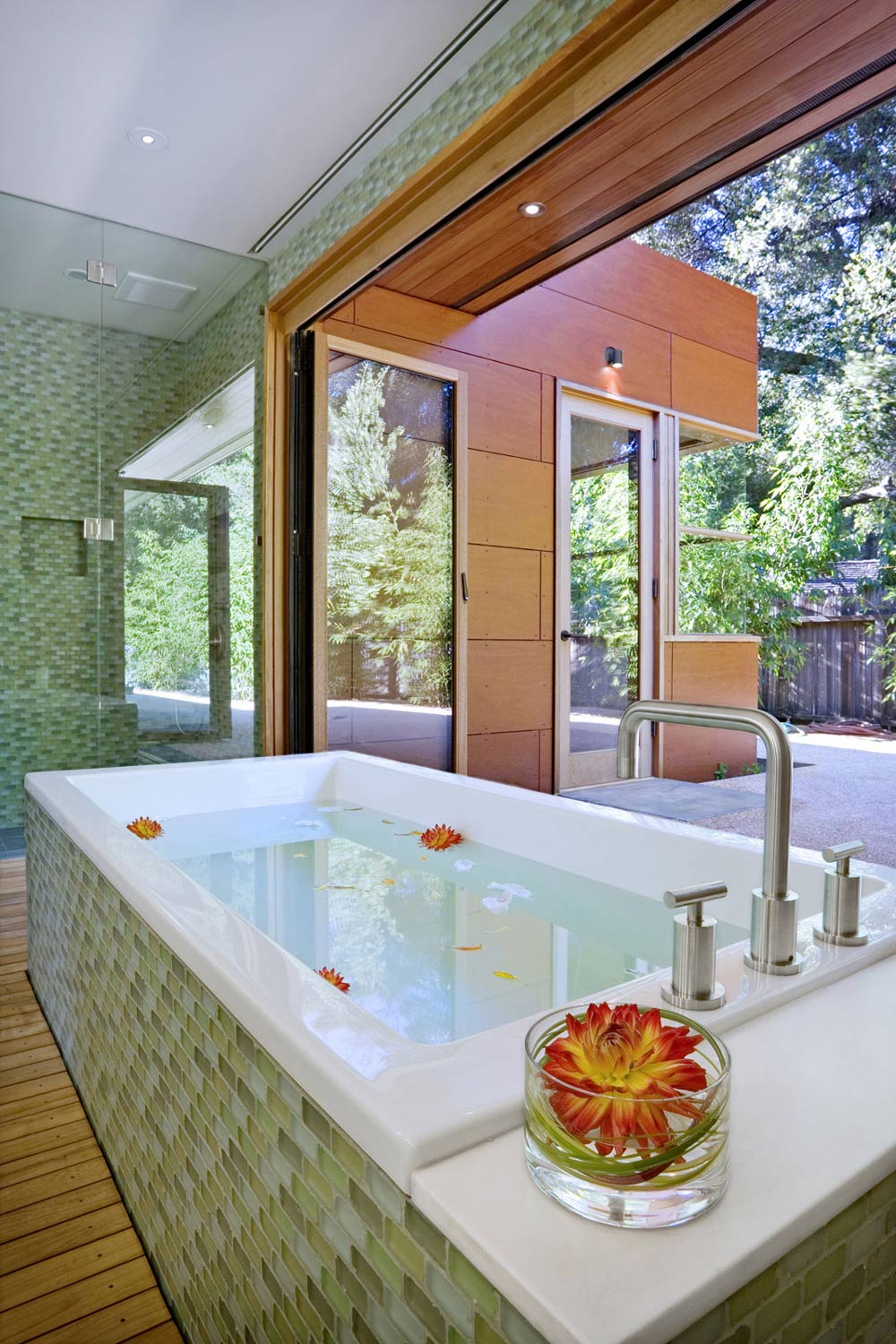 Bath, Wheeler Residence in Menlo Park, California by William Duff Architects