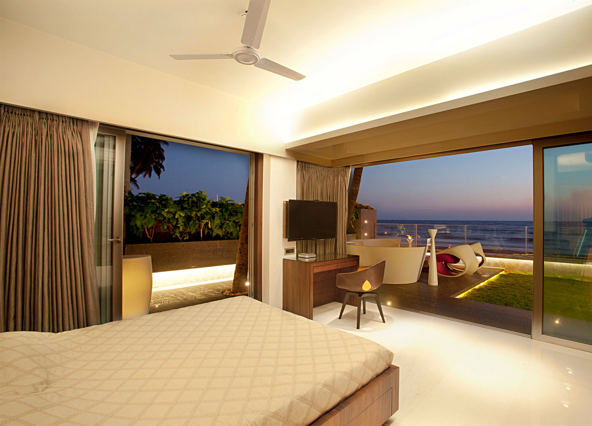 Bedroom, Patio Doors, Terrace, Apartment by the Beach in Mumbai, India by ZZ Architects