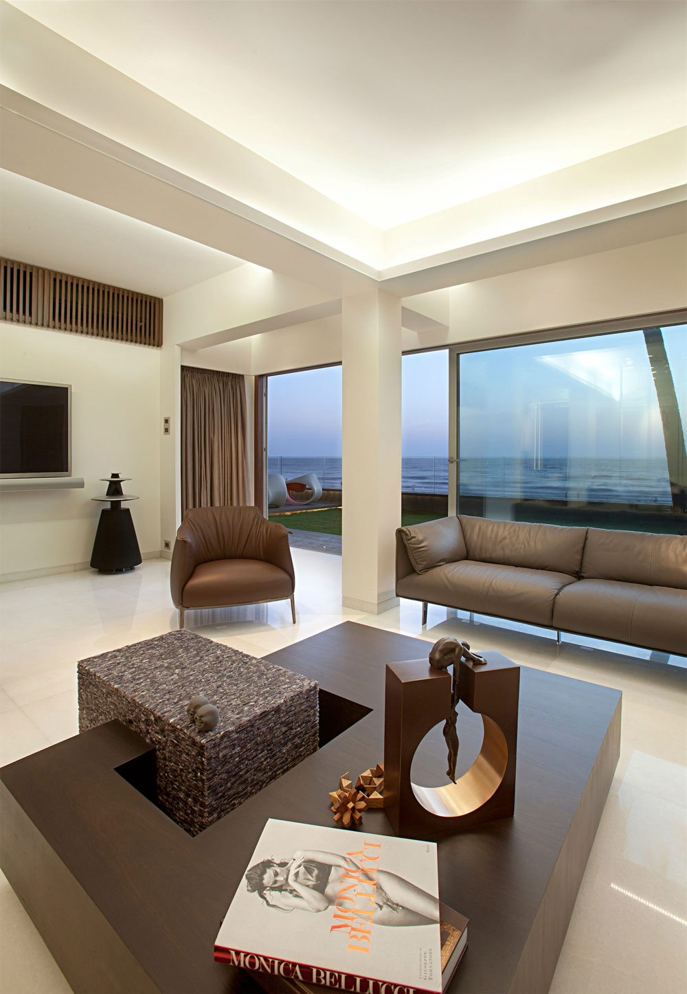 Coffee Table, Apartment by the Beach in Mumbai, India by ZZ Architects