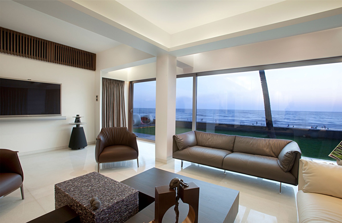 apartment by the beach in mumbai india by zz architects. Black Bedroom Furniture Sets. Home Design Ideas