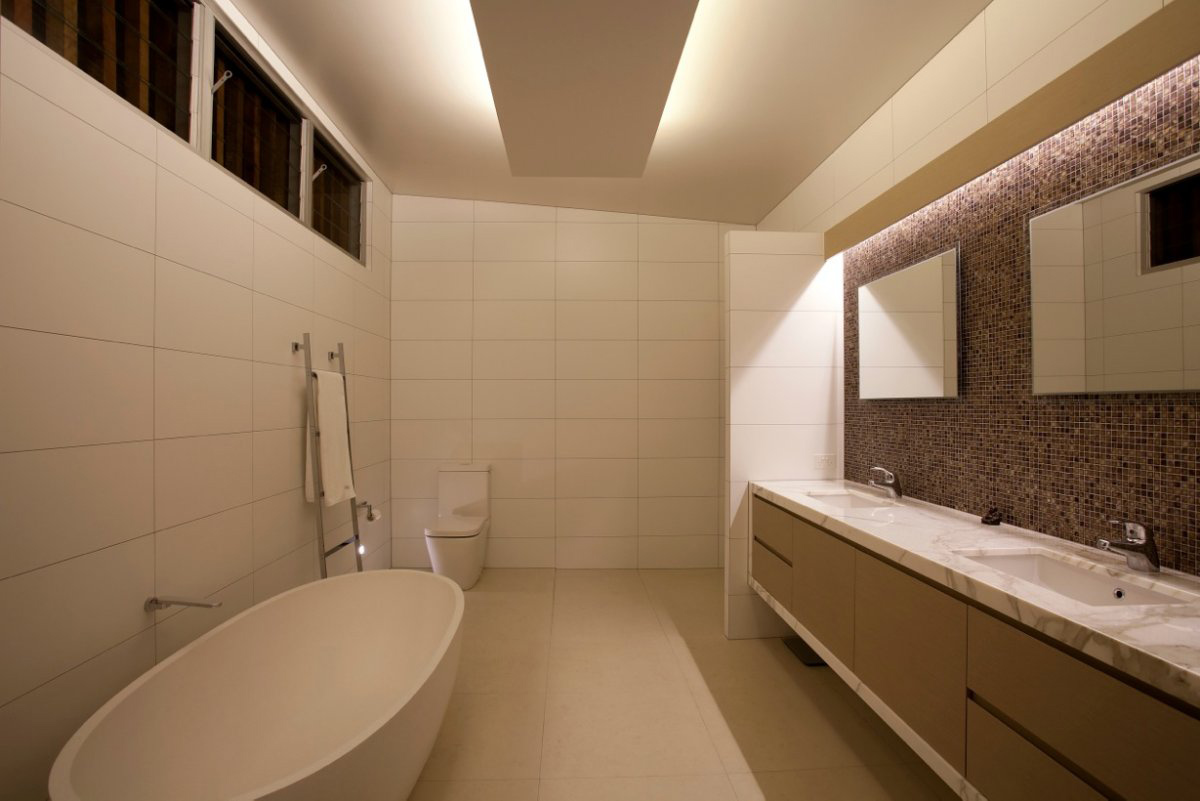 Bathroom coolum bays beach house in queensland australia for Bathroom designs qld