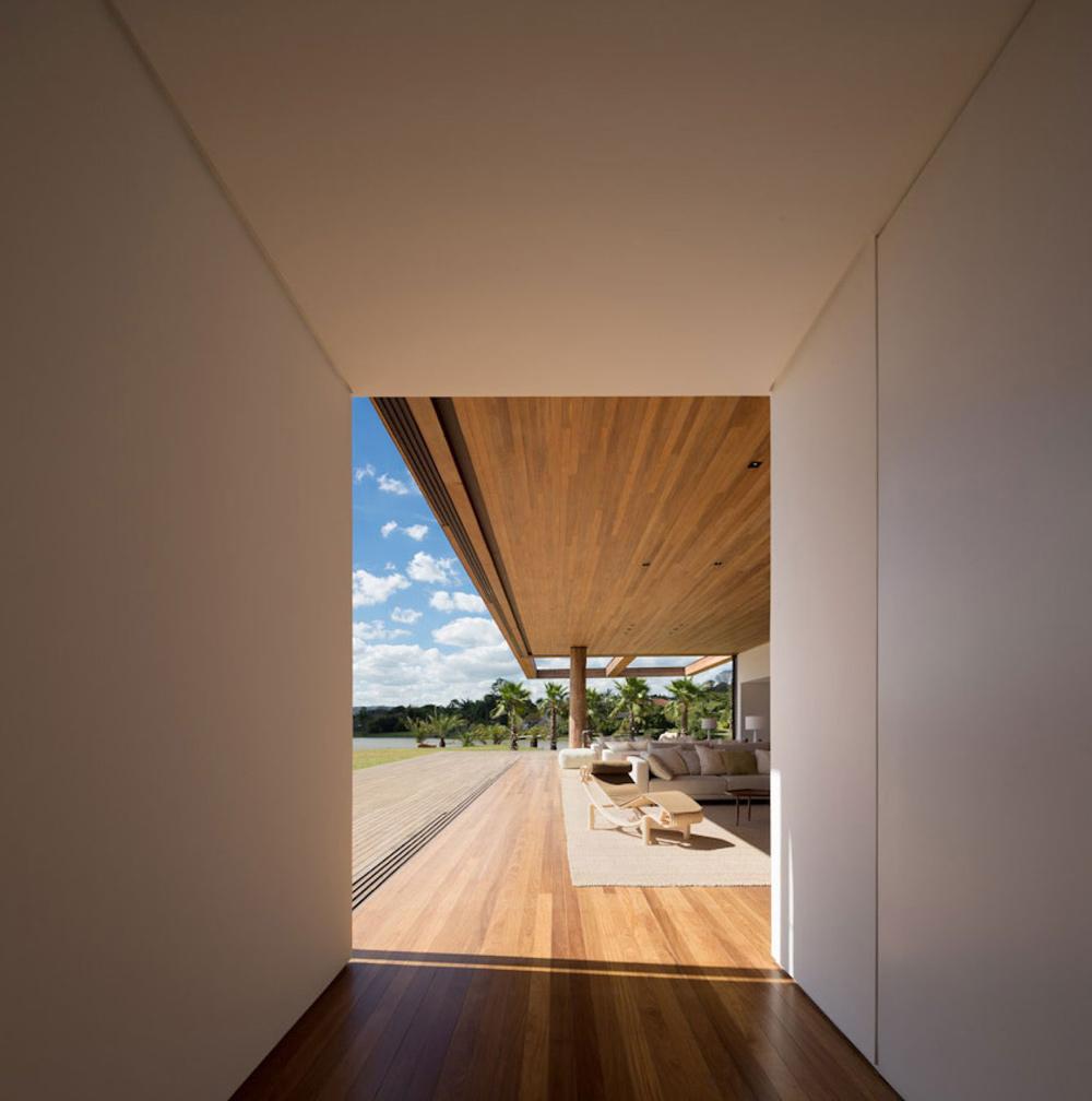 Hallway, Wooden Floors, Casa Itu in São Paulo, Brazil by Studio Arthur Casas