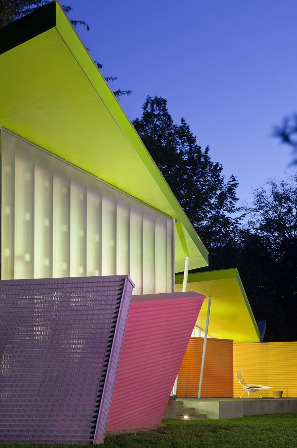 Colorful Summer Retreat in New York by Stamberg Aferiat + Associates