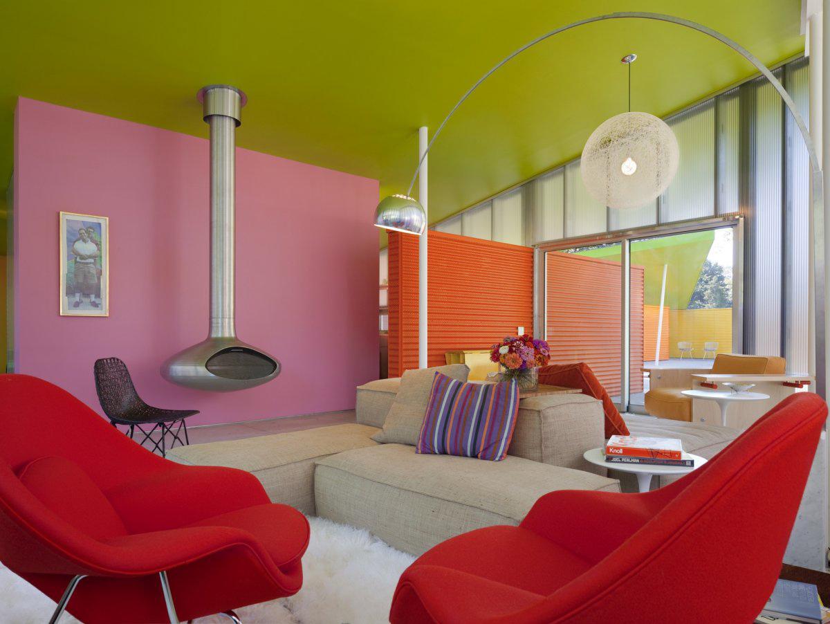 фото окраски стен в разные яркие цвета