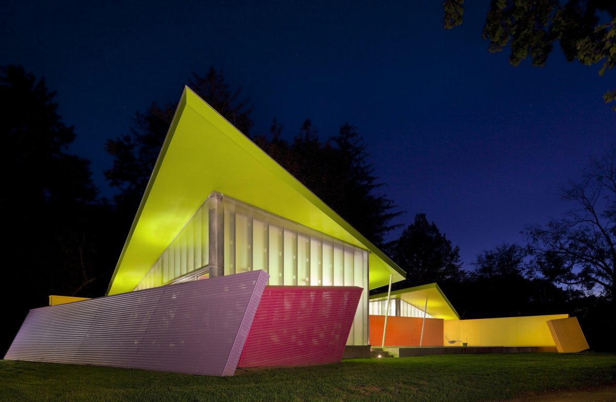 Dusk, Lighting, Colorful Summer Retreat in New York by Stamberg Aferiat + Associates