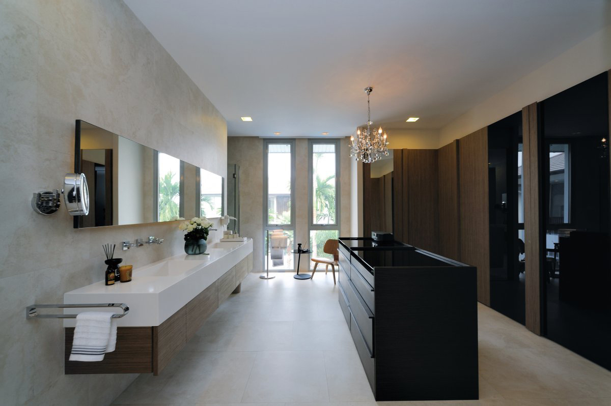 Modern Bathroom, Baan Citta in Bangkok, Thailand by THE XSS