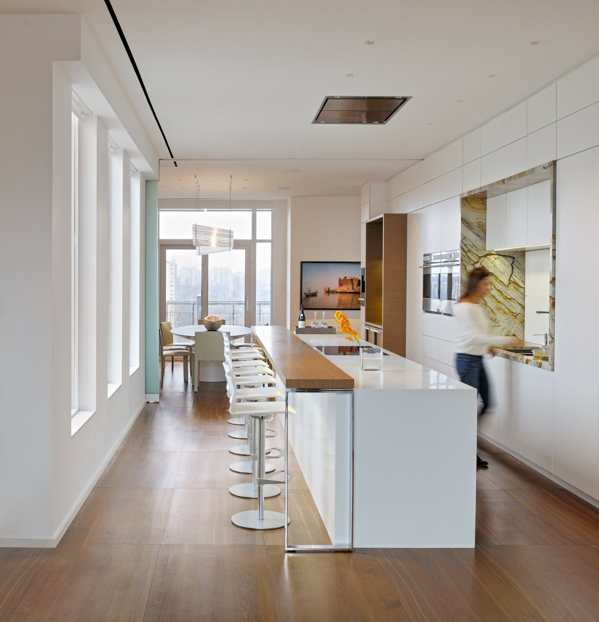 White Kitchen, Breakfast Bar, Yorkville Penthouse II in Toronto  | 1200 x 1247 · 192 kB · jpeg | 1200 x 1247 · 192 kB · jpeg