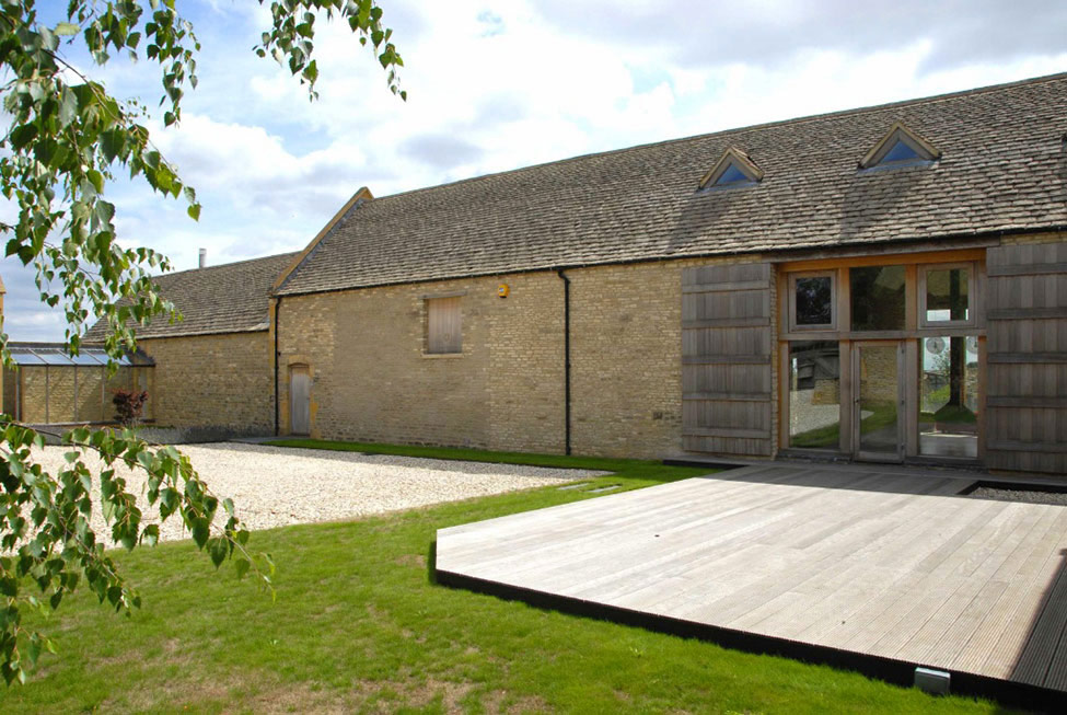 Deck, 18th-Century Barn Conversion in the Cotswolds, England