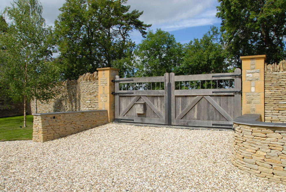 Entrance Gates, 18th-Century Barn Conversion in the Cotswolds, England