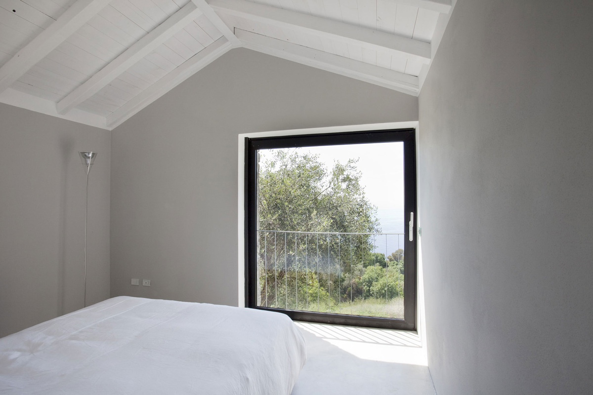 Bedroom, Patio Door, Farmhouse in Riomaggiore, Italy by A2BC Architects and SibillAssociati