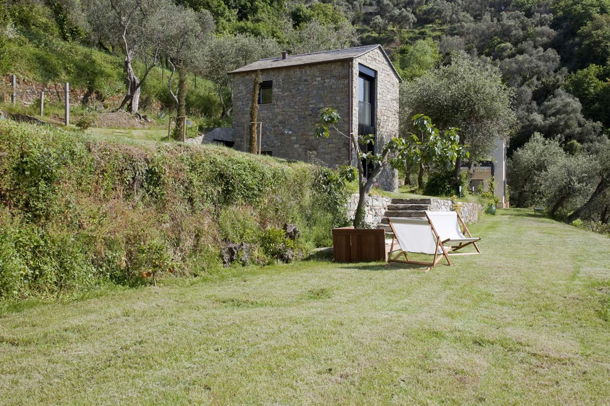 Garden, Farmhouse in Riomaggiore, Italy by A2BC Architects and SibillAssociati
