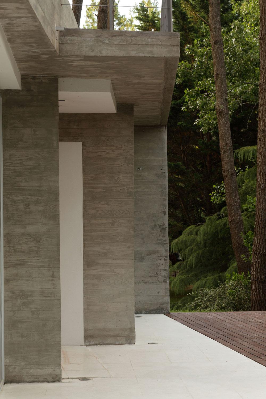 Faced Concrete, Modern Concrete House in Cariló, Argentina