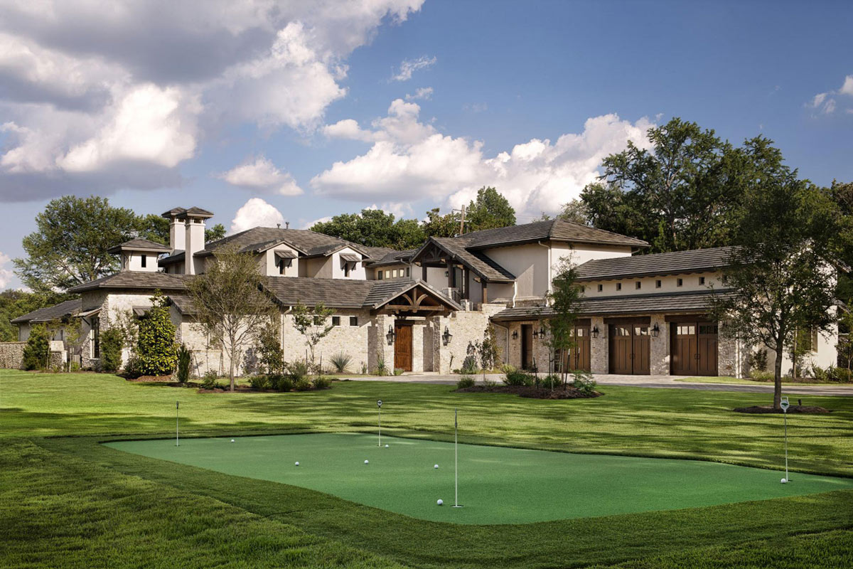 Putting Green, Hill Country Modern in Austin, Texas