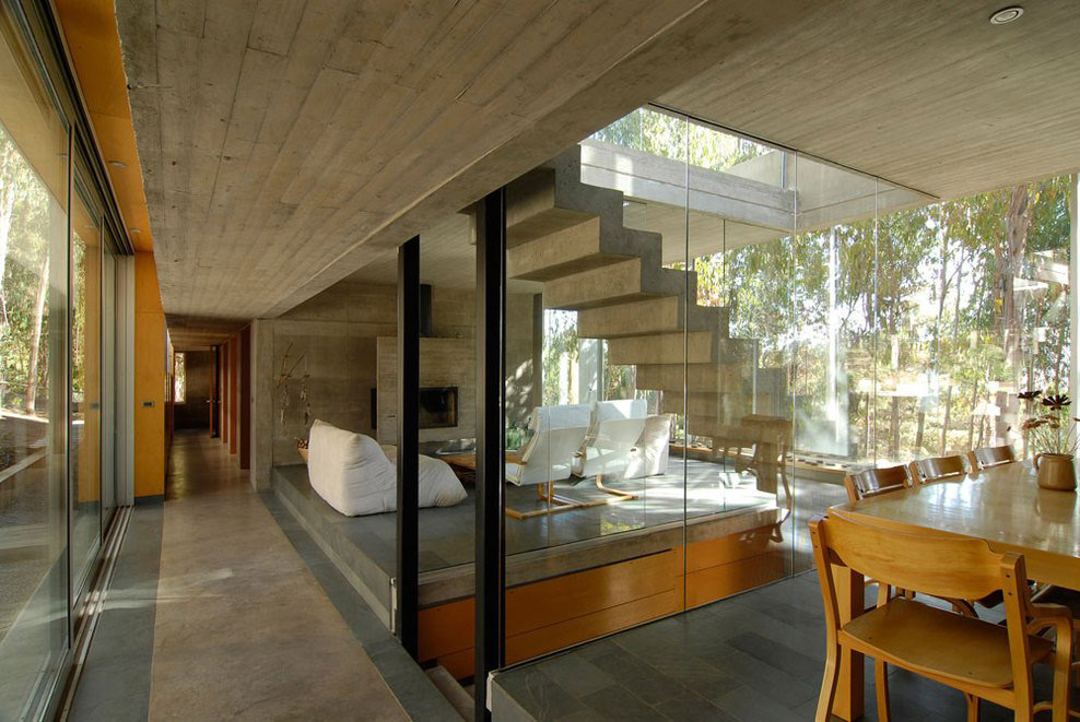 Dining, Living Space, Stairs, Omnibus House in Cachagua, Chile by Gubbins Arquitectos