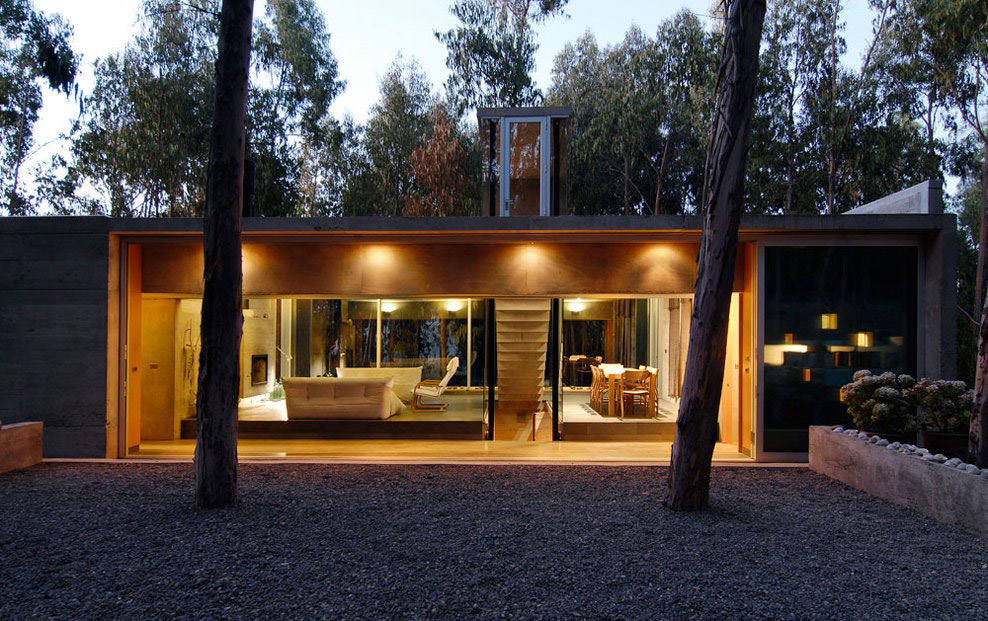 Dusk, Lighting, Omnibus House in Cachagua, Chile by Gubbins Arquitectos