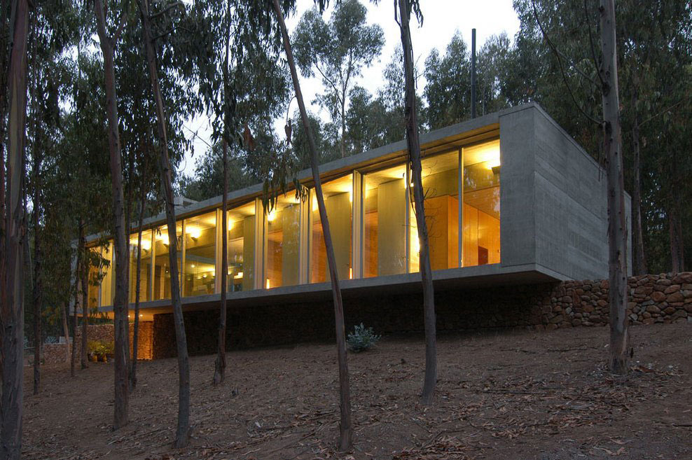 Glass Wall, Lighting, Omnibus House in Cachagua, Chile by Gubbins Arquitectos