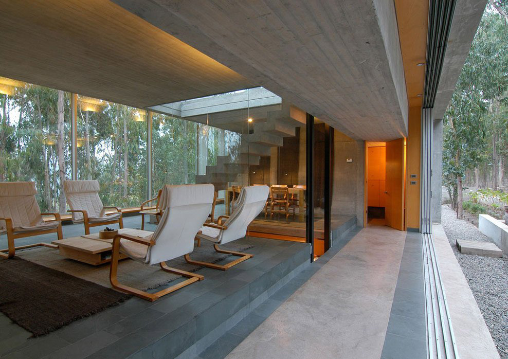 Living Space, Patio Doors, Omnibus House in Cachagua, Chile by Gubbins Arquitectos