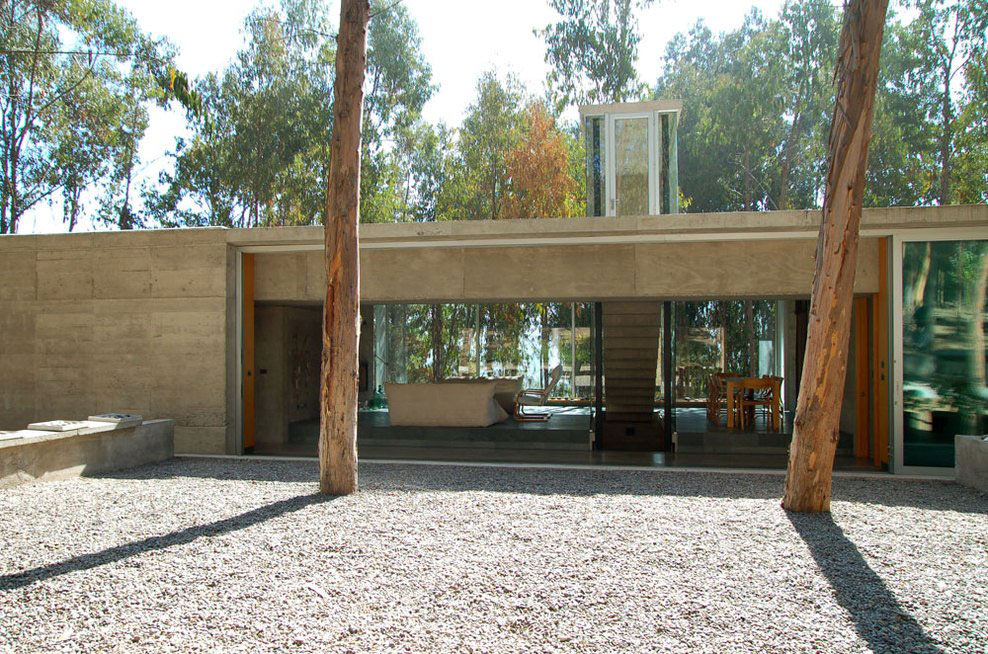 Outdoor Space, Omnibus House in Cachagua, Chile by Gubbins Arquitectos