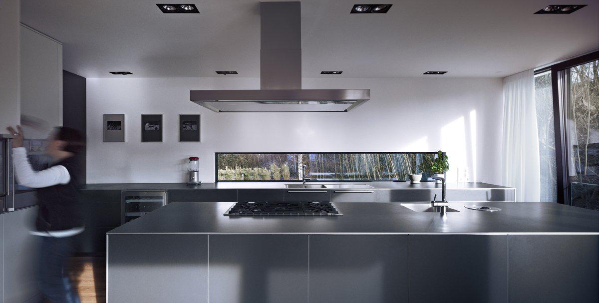 Modern Kitchen, House Zochental in Aalen, Germany by Liebel Architekten BDA