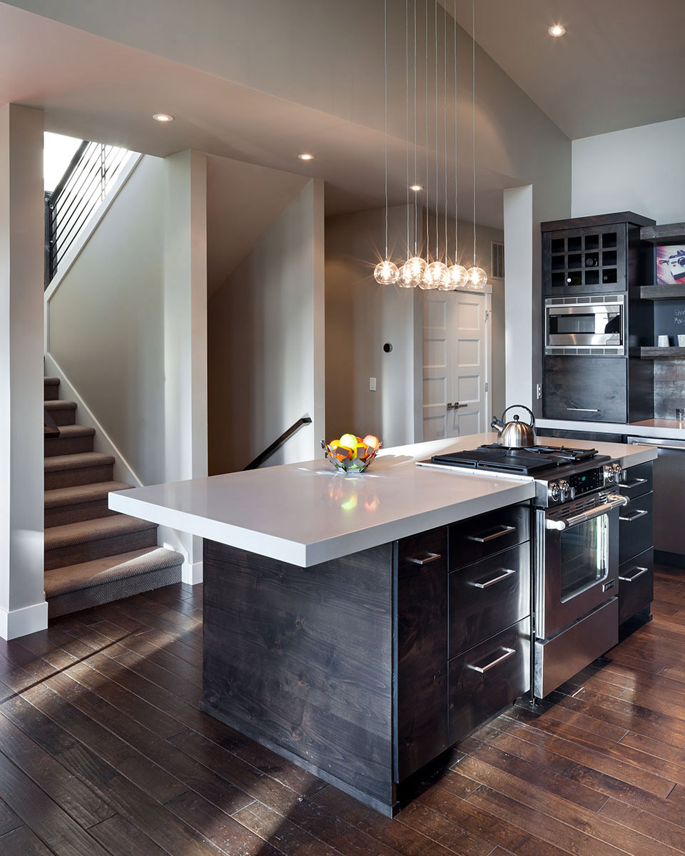 Modern home in eugene oregon by jordan iverson signature for Modern kitchen lighting design
