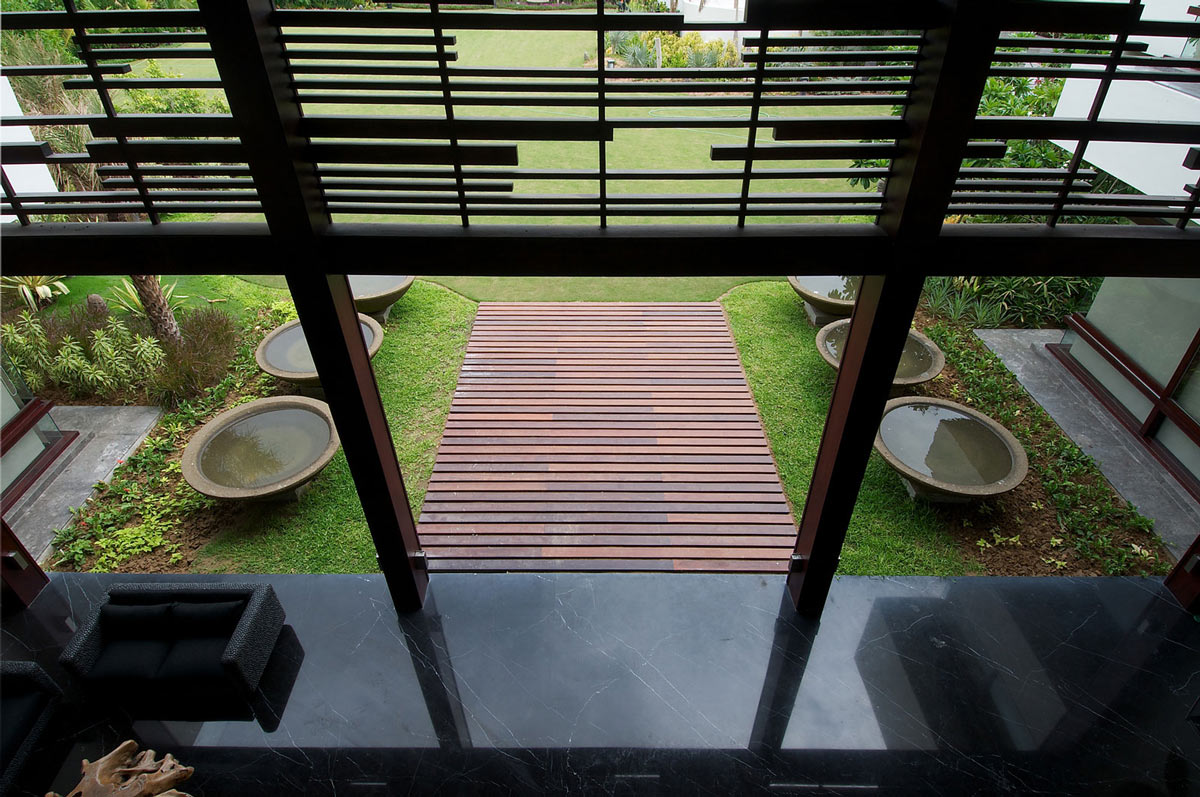 Dark Marble Tiles, Contemporary House in Ahmedabad, India