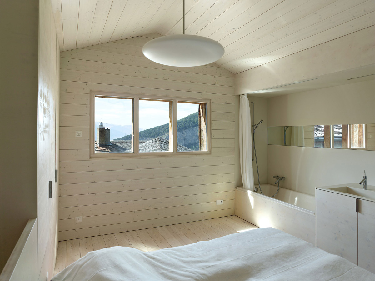 Bedroom, Bathroom, Maison Cambolin by Savioz Fabrizzi Architecte