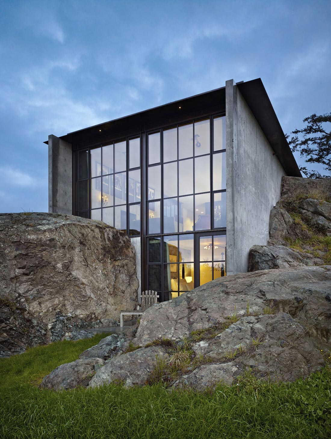 Glass & Concrete Walls, The Pierre on San Juan Island by Olson Kundig Architects