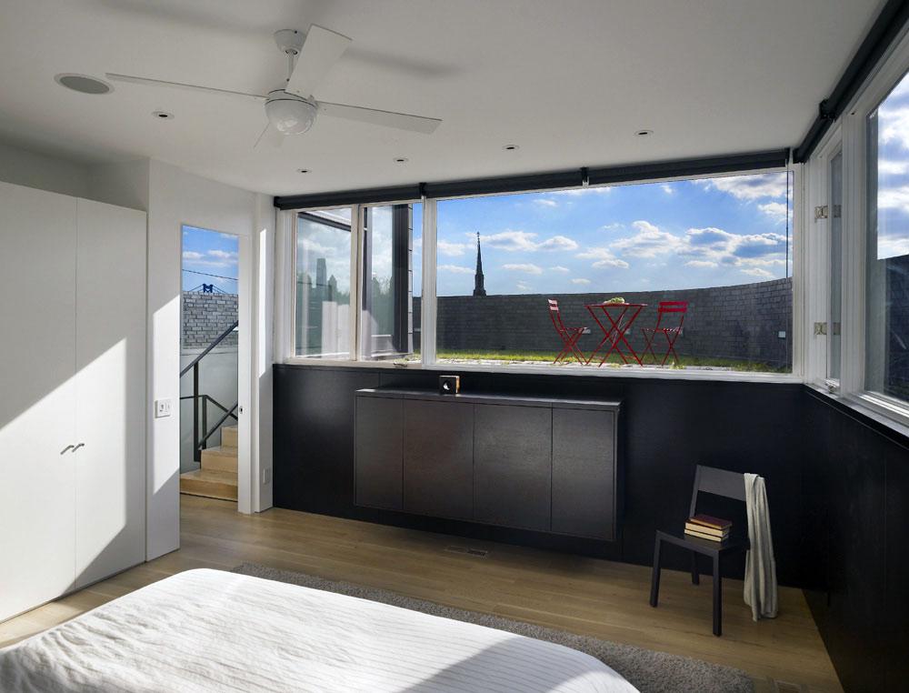 Bedroom, Split Level House in Philadelphia by Qb Design
