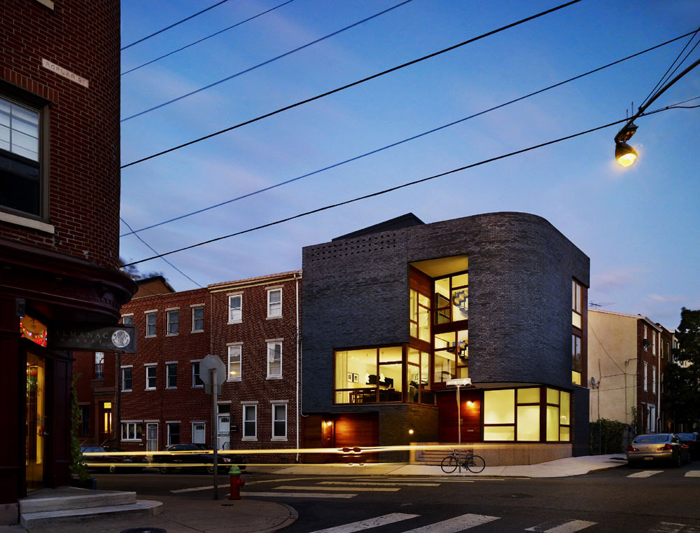 Dusk, Street View, Split Level House in Philadelphia by Qb Design