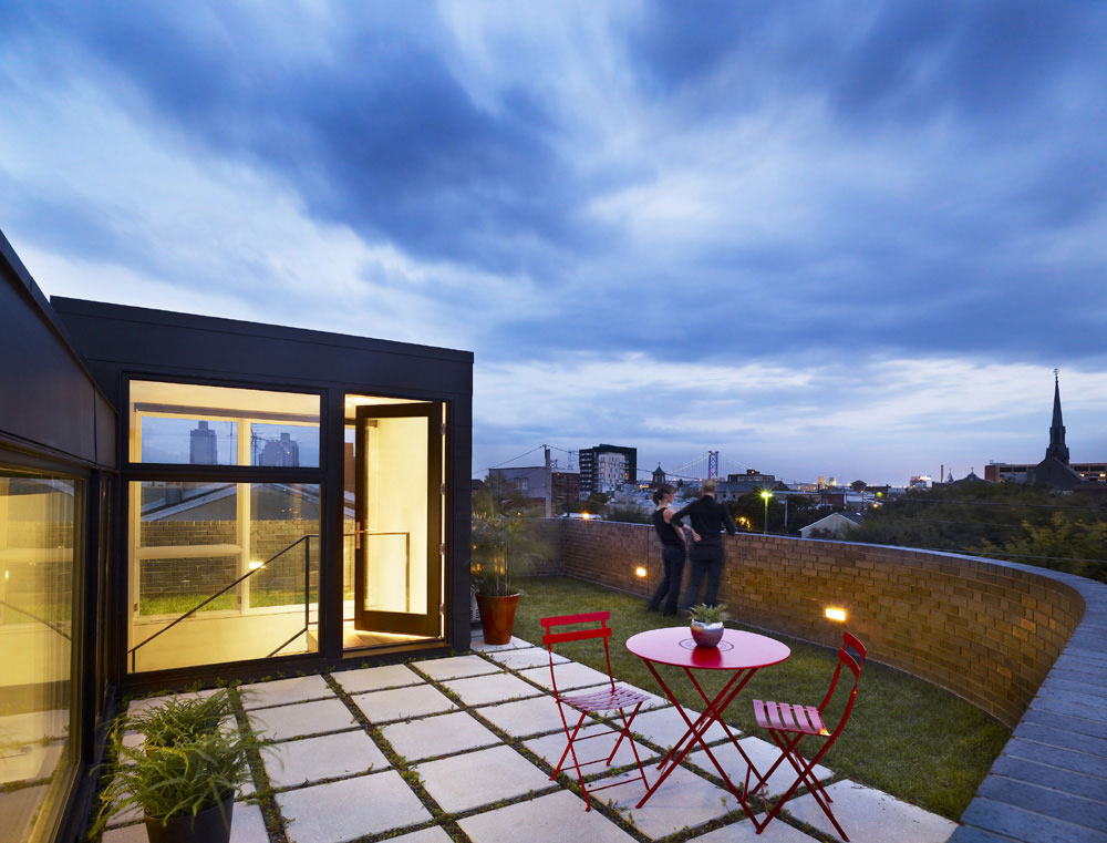 Roof Garden, Terrace, Split Level House in Philadelphia by Qb Design