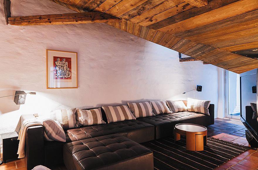 Black Leather Sofa, Rug, Stylish Apartment in Stockholm, Sweden