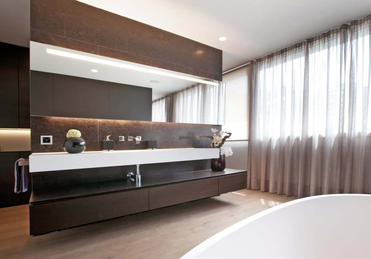 modern bathroom villa wohnen in schindellegi switzerland by simmengroup. Black Bedroom Furniture Sets. Home Design Ideas