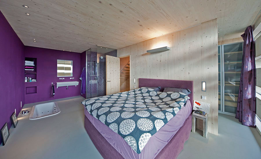 Sunken Bath, Shower, Purple Bedroom, Eco-Friendly House in Amsterdam