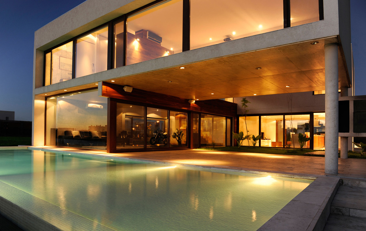 Swimming Pool, Terrace, Lighting, Modern House in Buenos Aires, Argentina
