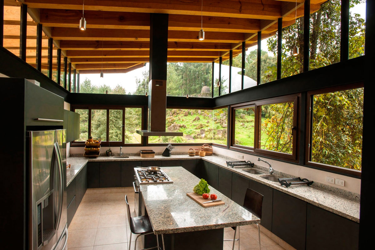 Kitchen Island, Breakfast Bar, Stunning Home in Valle de Bravo, Mexico