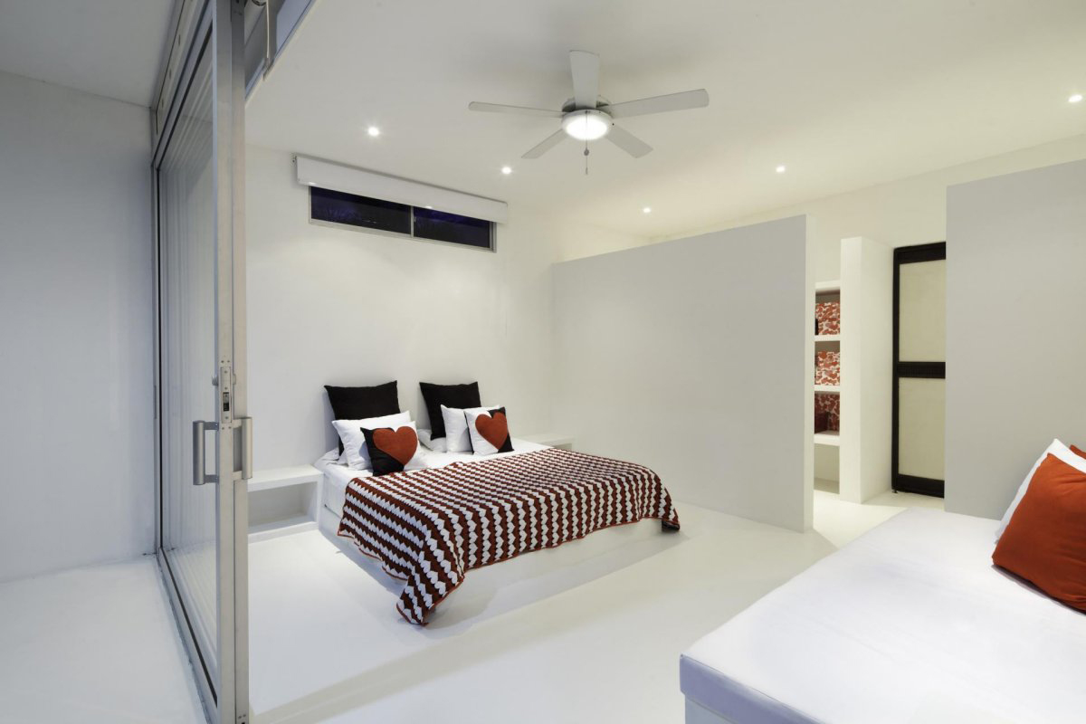Bright White Bedroom, Modern House in Girardot, Colombia