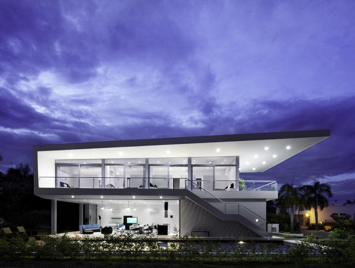 Evening, Lighting, Modern House in Girardot, Colombia