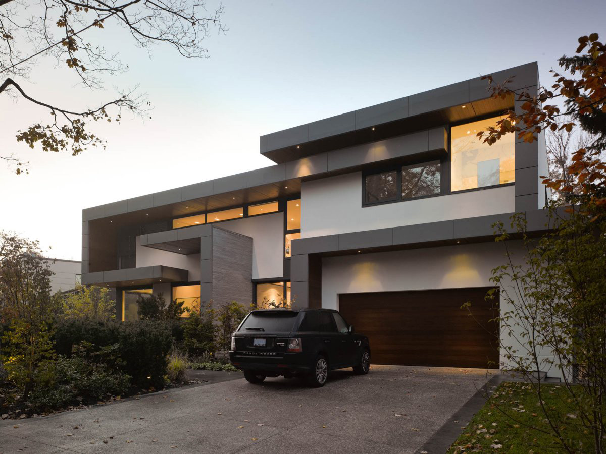 Driveway, Garage, Impressive Modern Home in Toronto, Canada