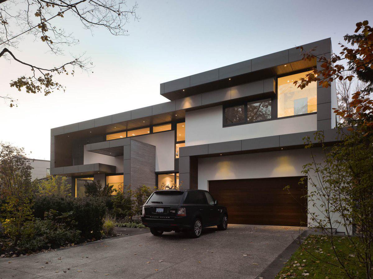 Impressive Modern Home In Toronto Canada