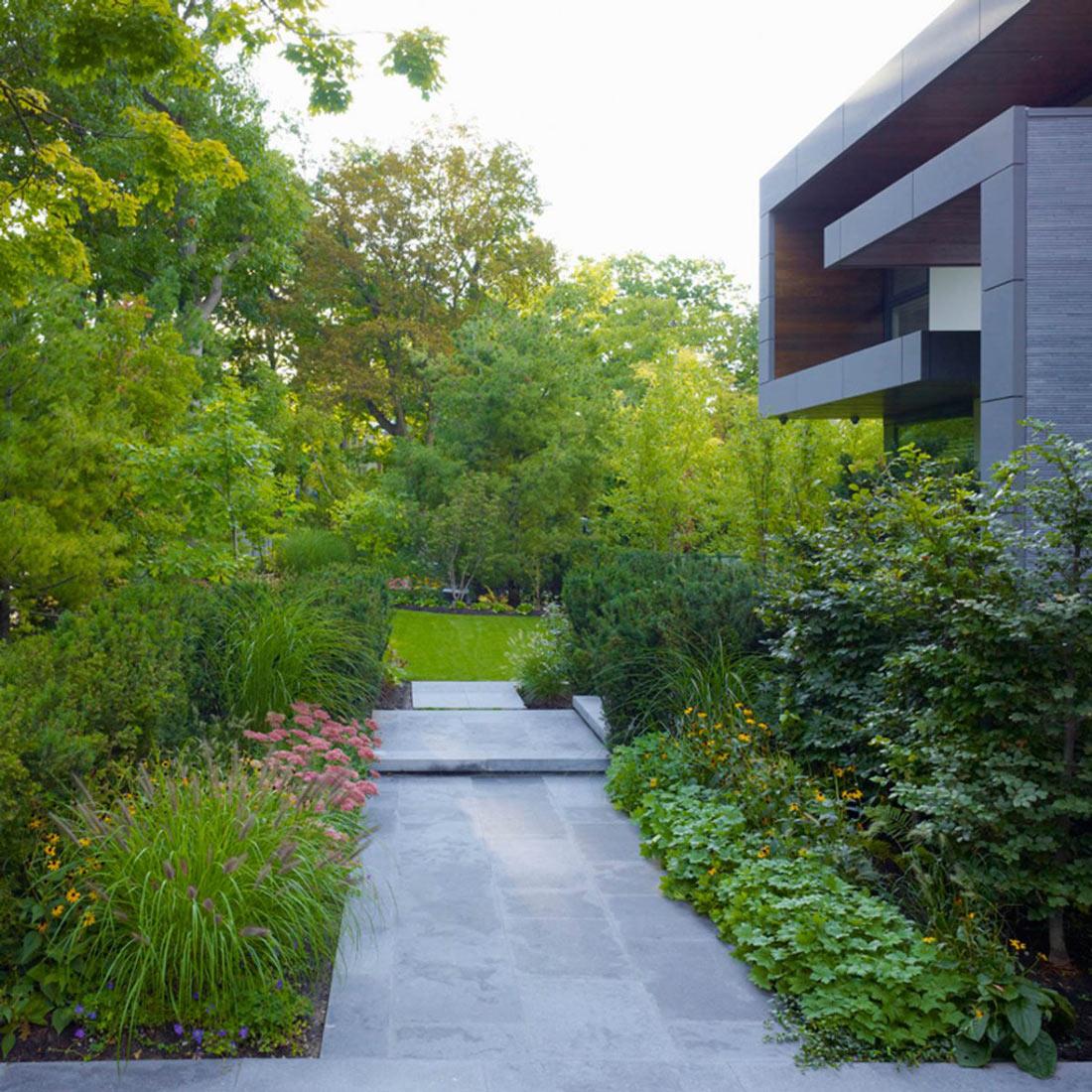 Garden, Impressive Modern Home in Toronto, Canada