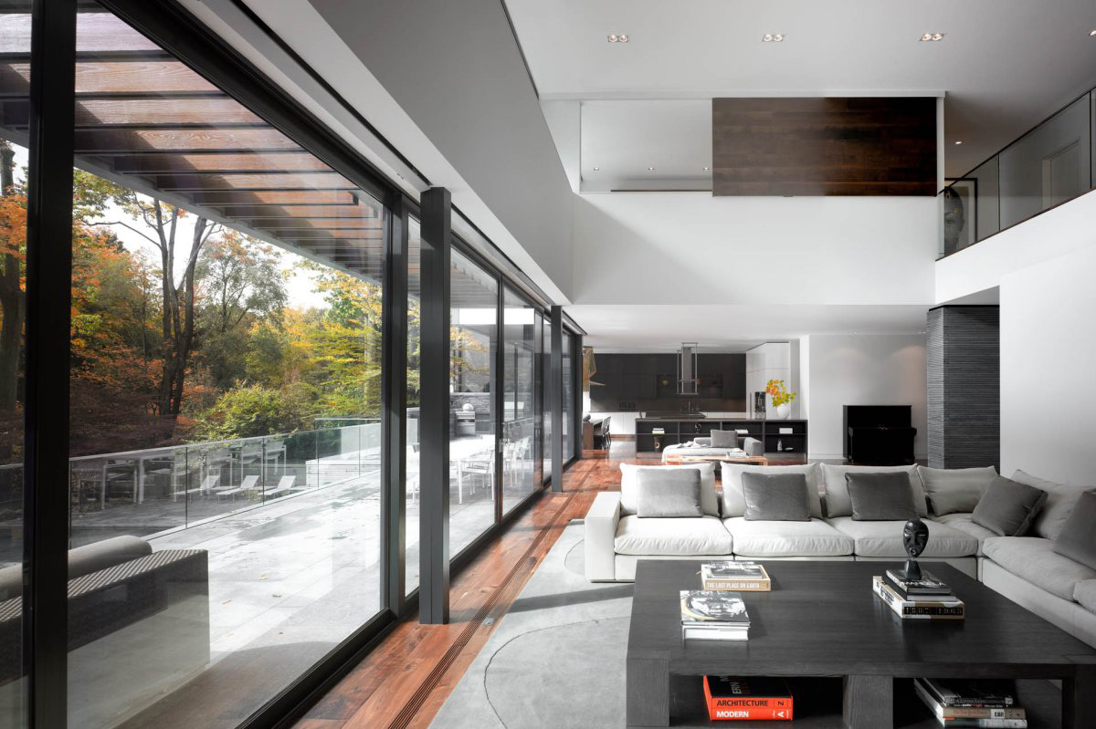 Patio doors open plan living impressive modern home in toronto canada Maison de luxe moderne