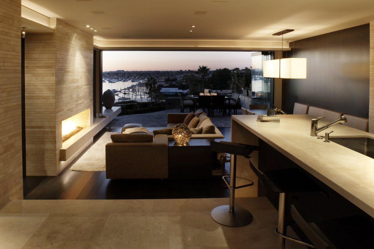 Breakfast Bar, Kitchen, Loft with Spectacular Views in Corona del Mar, California