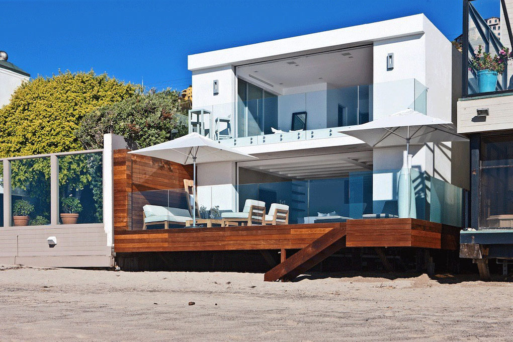 Contemporary beach house in malibu california for Beach box house plans