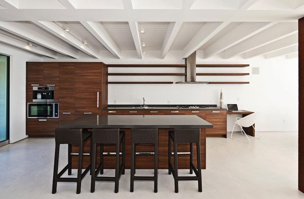 Breakfast Bar, Kitchen, Oceanfront Home in Malibu, California