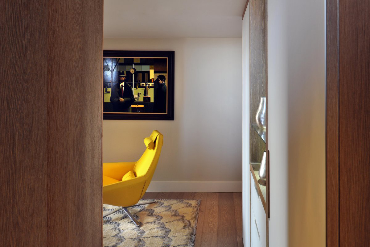 Art, St Pancras Penthouse Apartment in London