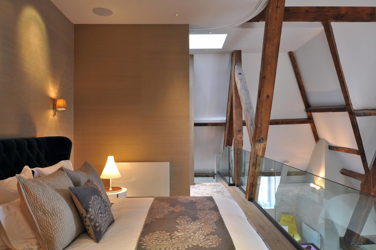 Bedroom, Glass Balustrading, Beams, St Pancras Penthouse Apartment in London