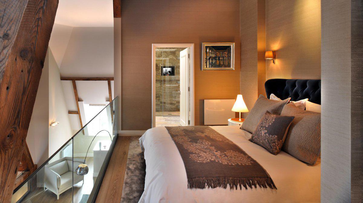 Mezzanine, Bedroom, St Pancras Penthouse Apartment in London