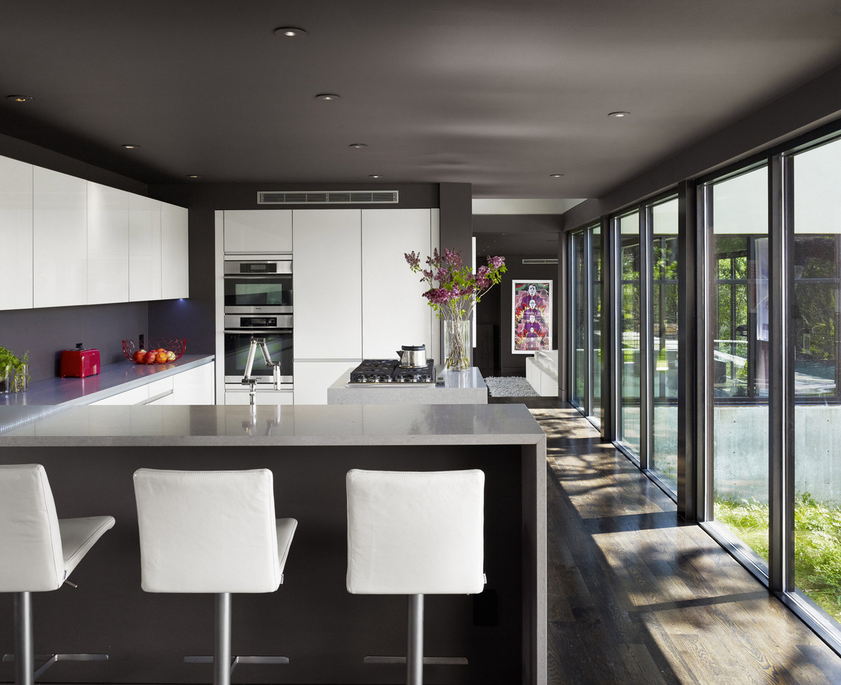 Breakfast Bar, Kitchen, Contemporary Renovation in West Lake Hills, Texas