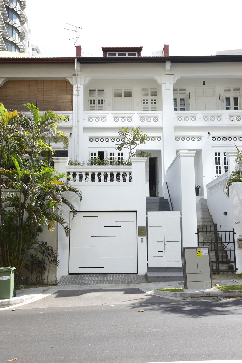 Entrance garage shop house renovation in singapore for Terrace house singapore