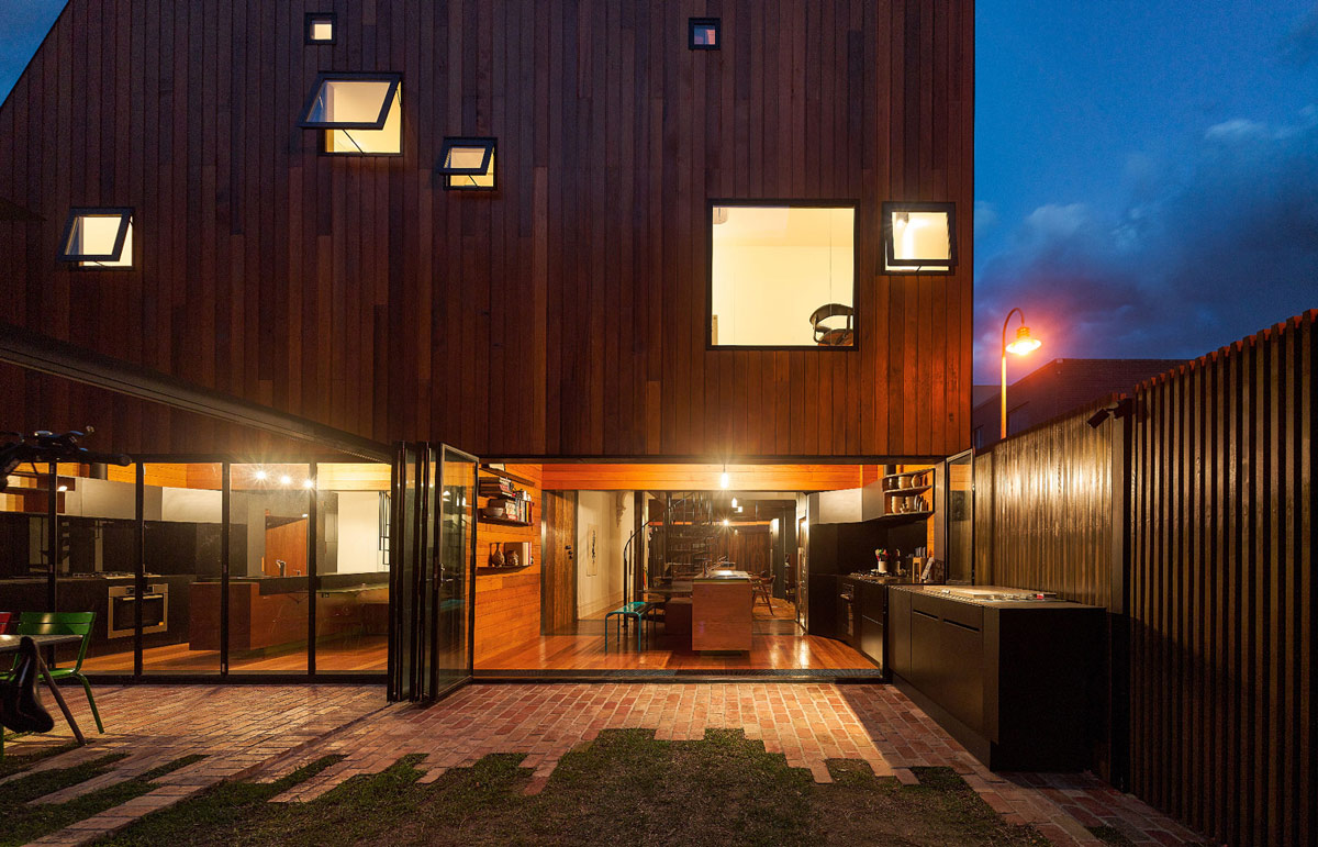 Evening, Lighting, Terrace, Garden, Two-Home Extension Within a Single Building in Richmond, Australia
